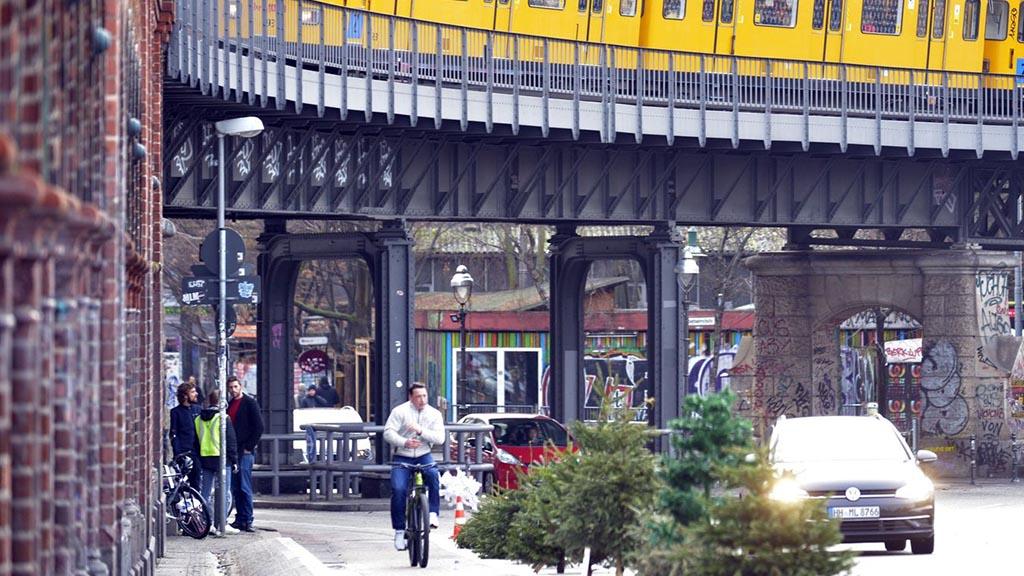Weihnachtsbaumaktion Oberbaumbrücke