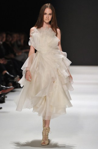Avantgardistisches Hochzeitskleid 2013, Kaviar Gauche