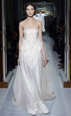 Hochzeitskleid mit Spagetti-Trägern weiß, Valentino