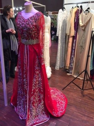 Orientalisches Brautkleid, rot, traditionell