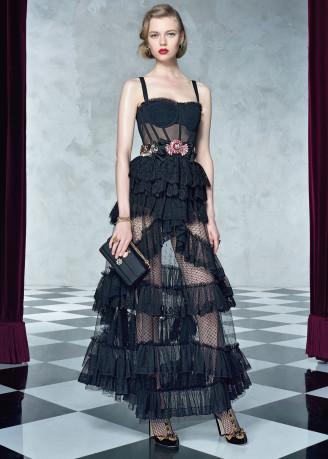 Korsagenkleid mit Rüschen, schwarz. Copyright Dolce & Gabbana.