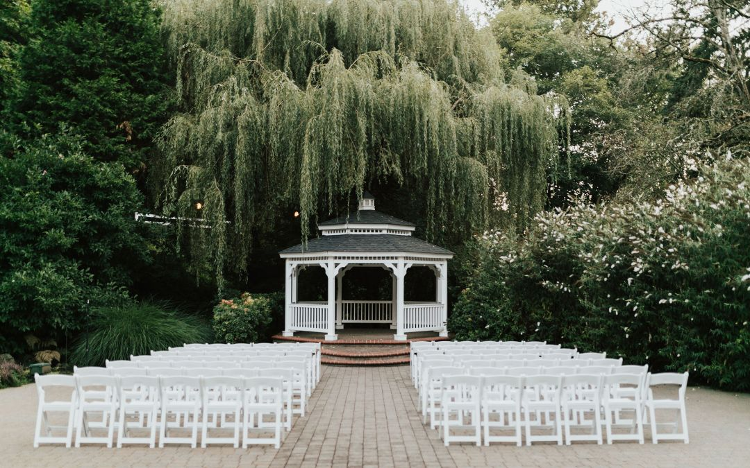 Full-Service Venues Make Wedding Planning Easy (And Help You Save Money!)