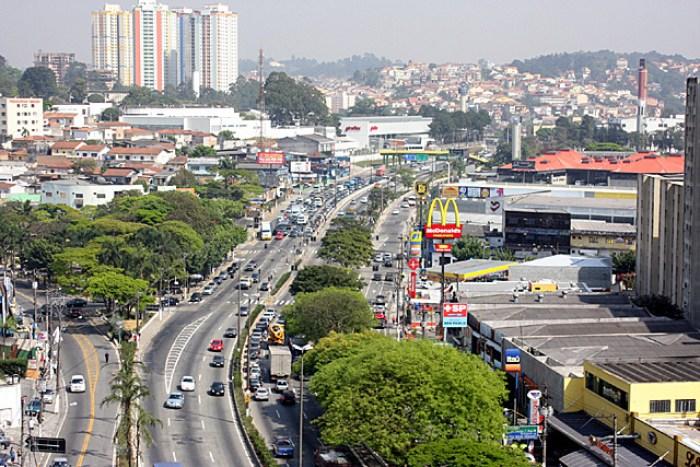 Foto da rodovia de Taboão, representando abrir empresa em Taboão
