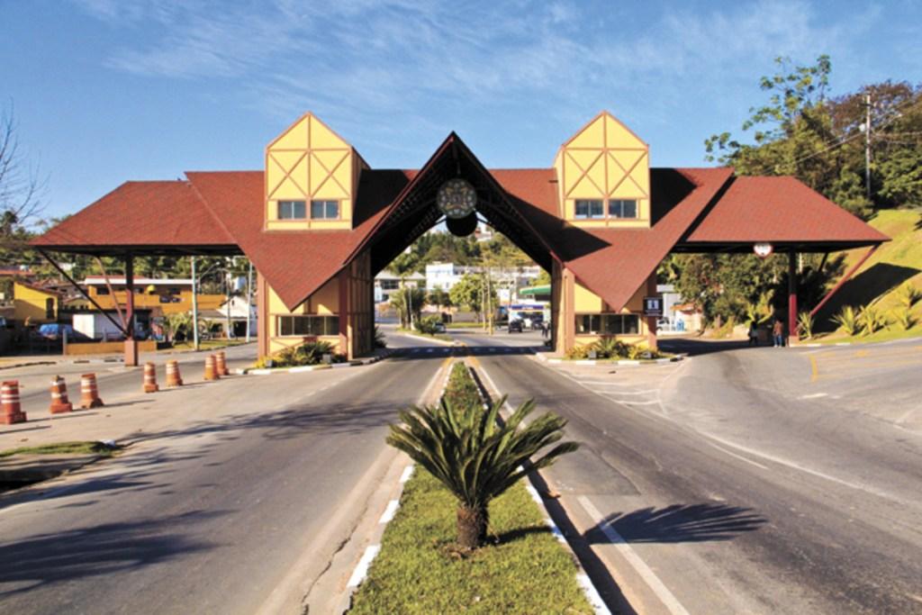 Foto do portal da cidade de São Roque, representando escritório de contabilidade em São Roque - Abertura Simples