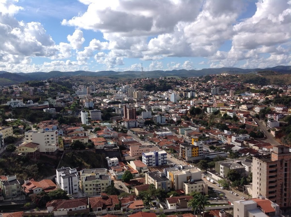 Foto aérea de Teófilo Otoni, representando abrir empresa em Teófilo Otoni - Abertura Simples