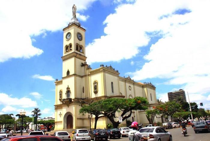 Igreja Matriz de Apucarana, representando escritório de contabilidade em Apucarana - Abertura Simples