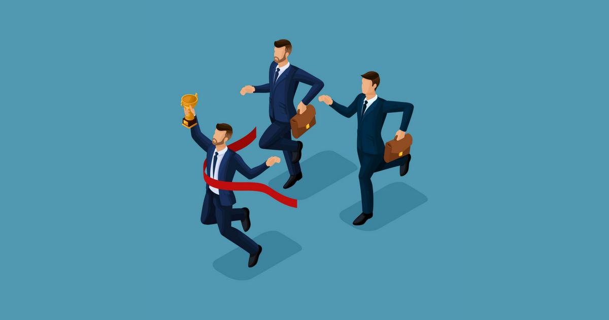 Ilustração de três homens correndo, um deles chegando primeiro e segurando um trofeu, representando a concorrência na contabilidade