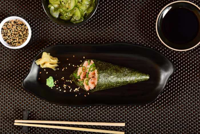 foto de um temaki representando como abrir uma temakeria