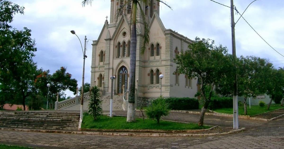 foto da igreja matriz da cidade, representando como abrir empresa em Leandro Ferreira