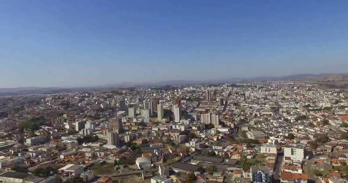 Foto aérea da cidade, representando abrir empresa em passos