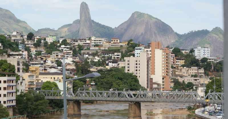 Foto de ponte da cidade, representando a contabilidade em cachoeiro de itapemirim