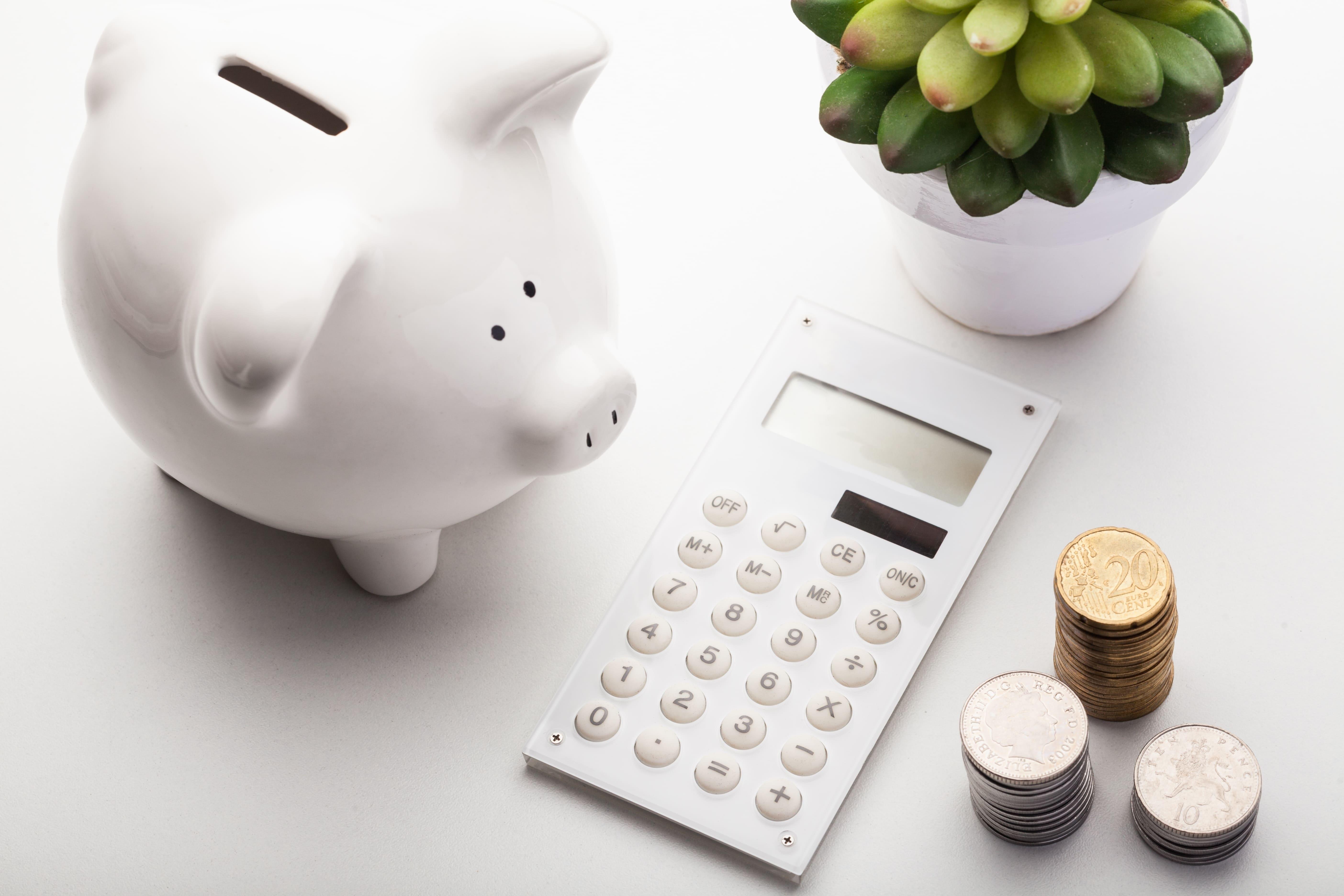 Imagem de um cofrinho para remeter aos livros sobre finanças que todo empreendedor deve ler