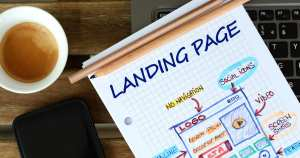 Imagem de um caderno que contém a palavra landing page para inspirar o empreendedor que deseja implementar a landing page na estratégia de marketing da sua empresa
