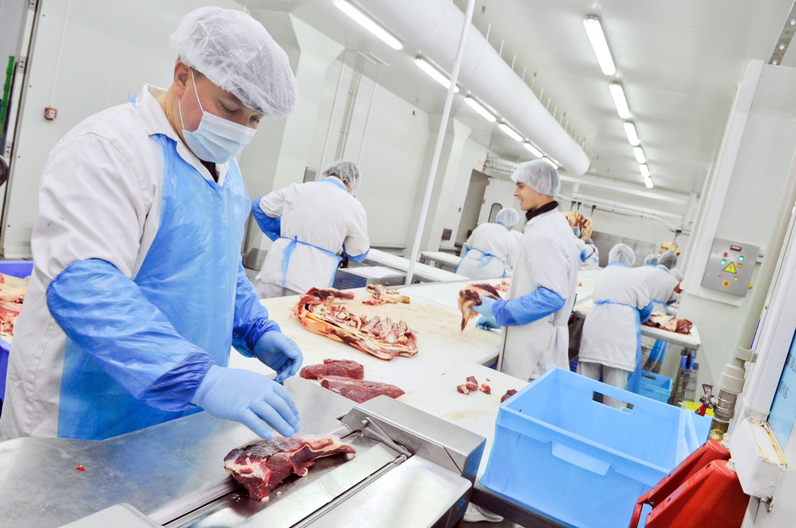 Imagem de um açougue para remeter a quem deseja abrir uma casa de carne