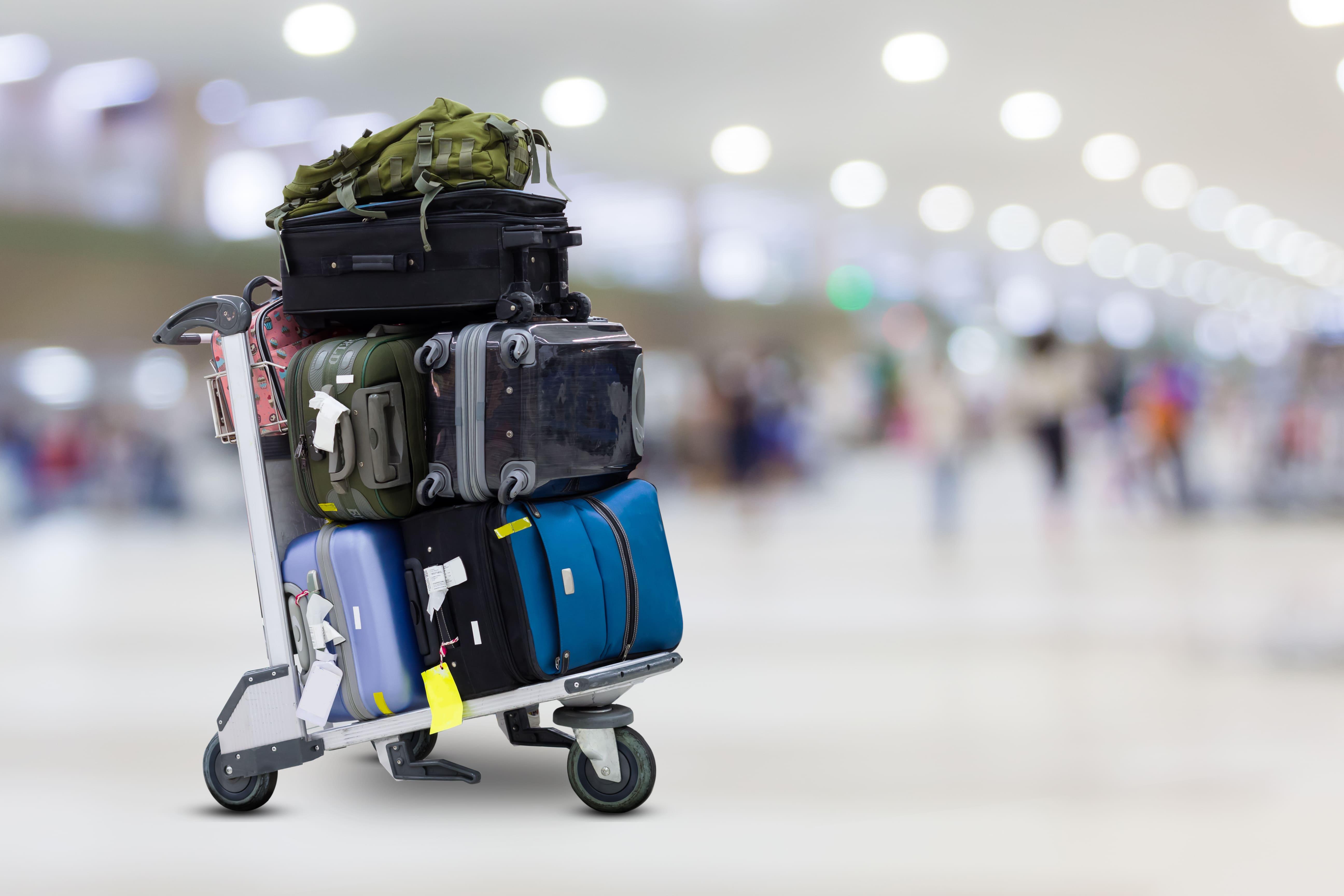 Imagem de algumas malas para remeter ao empreendedor que deseja saber como abrir uma empresa de conserto de malas