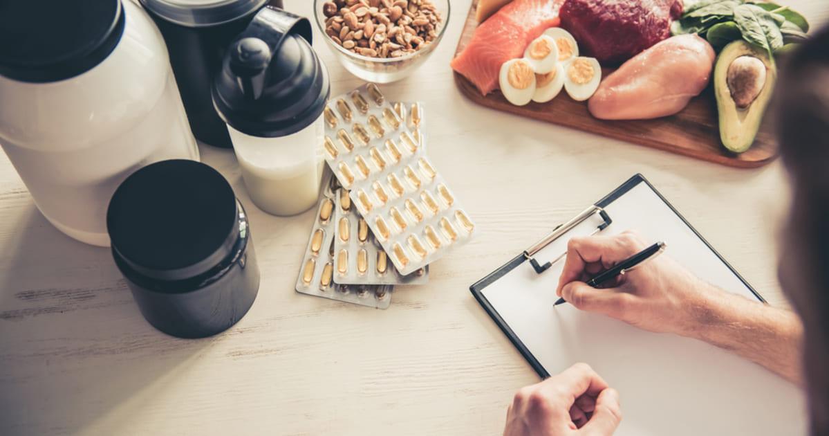 Imagem de um nutricionista administrando uma dieta, representando a ccontabilidade para clínica de nutrição