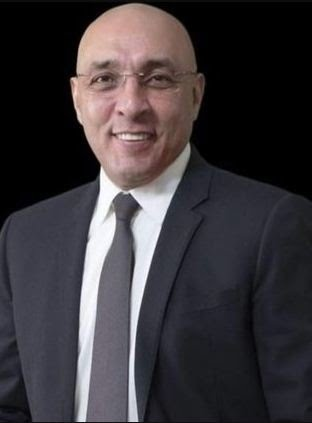 الكاتب عصام يوسف