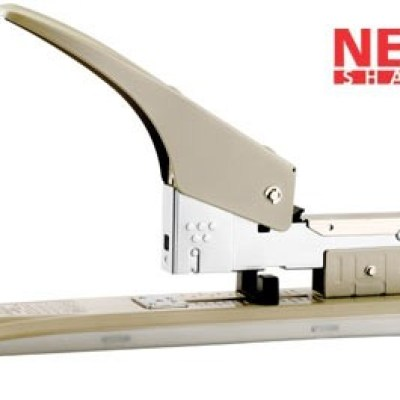 All metal construction  Adjustable paper guide that can be used for jam clearing  Rubber base to avoid desk top from scratches  Rear loading  Rotating anvilStaple use :23/6 - 23/13Loading Capacity:100 StaplesStapling Capacity:100 Sheets