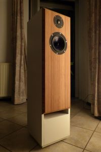 speakers001