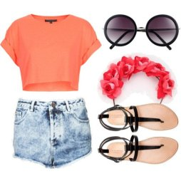 Coral-Outfit-Idea-with-Denim-Shorts