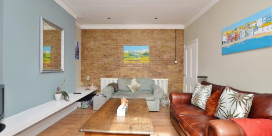 2 Bedroom Flat, Orpington Road, Winchmore Hill, N21 3PG