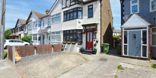 Waverley Road, Rainham, RM13 9ND – 3 Bedroom House