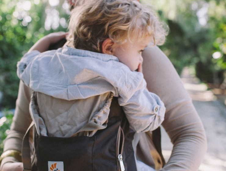Gear Review - Ergobaby Organic Carrier #IBW2015 #babywearing www.abirdwithafrenchfry.com