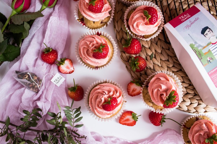 photo of cupcakes and tea