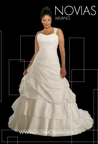 3438f2a06a9a Abiti da sposa TAGLIE FORTI comode e confortevoli le spose di milano ...