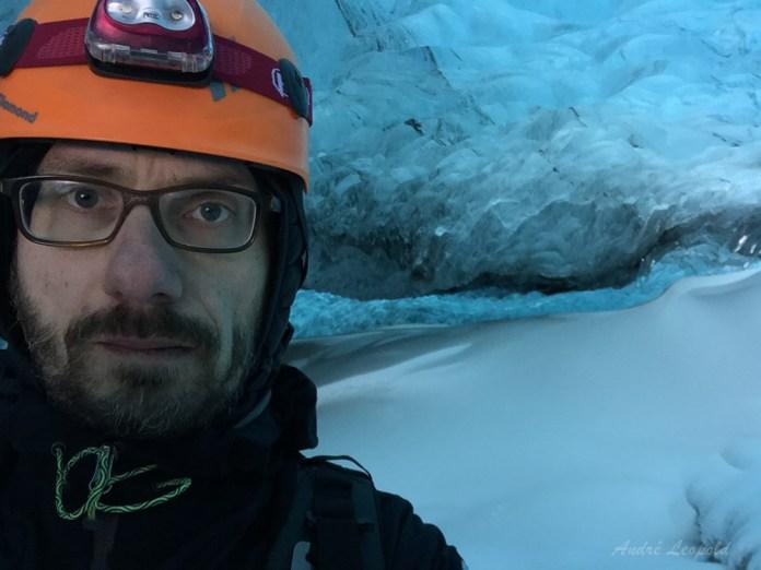 Tagesselfie in Gletscherhöhle