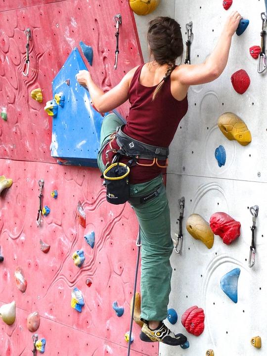 climber-486025_960_720
