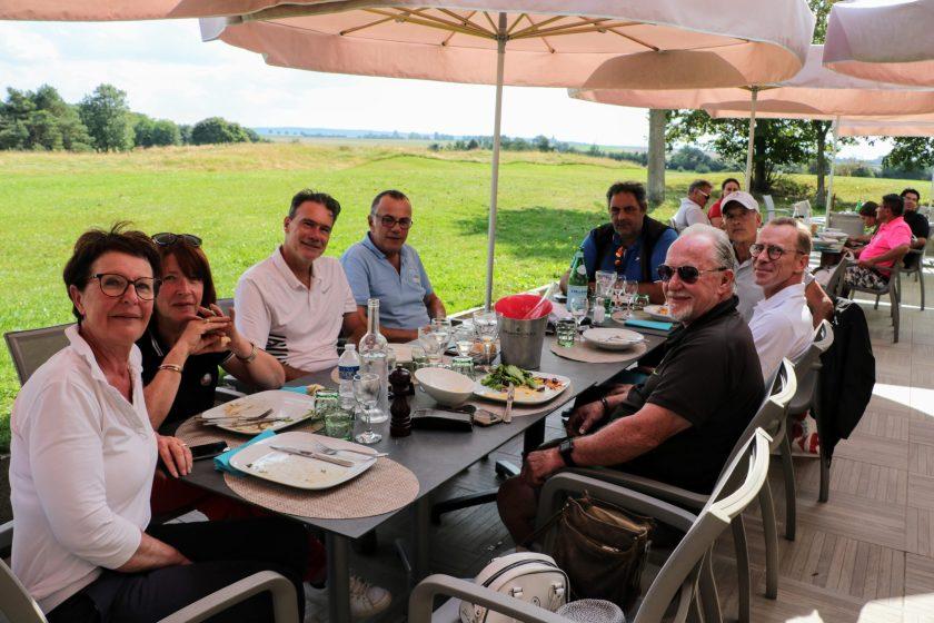 déjeuner au restaurant les terrasses du golf
