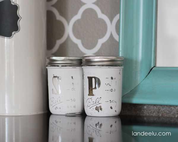 Salt and Pepper Shakers, 20 Ways to Use Mason Jars
