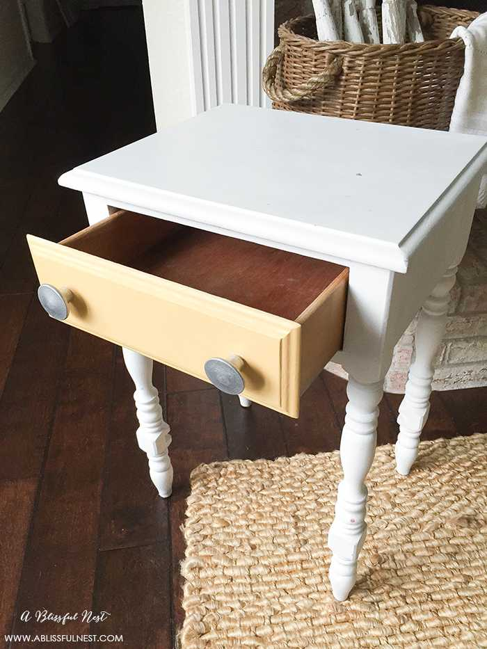 This is such a great review on using Krylon's new Chalk Spray paint! Everything you need to know to use this method of painting furniture and accessories with a spray chalk paint. Get more information on https://ablissfulnest.com/ #chalkpaint #tablemakeover #diyfurniture