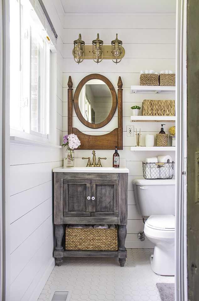 20 Best Farmhouse Bathrooms to Get That Fixer Upper Style! on Farmhouse Bathroom  id=58101