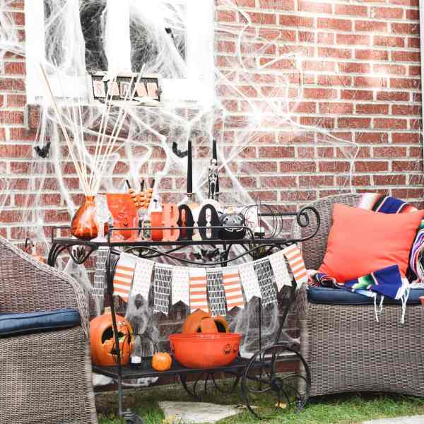 This Halloween Bar Cart isn't only for adults, this adorable cart is kid-friendly and oh so fun! Such a great way to celebrate this fun holiday!