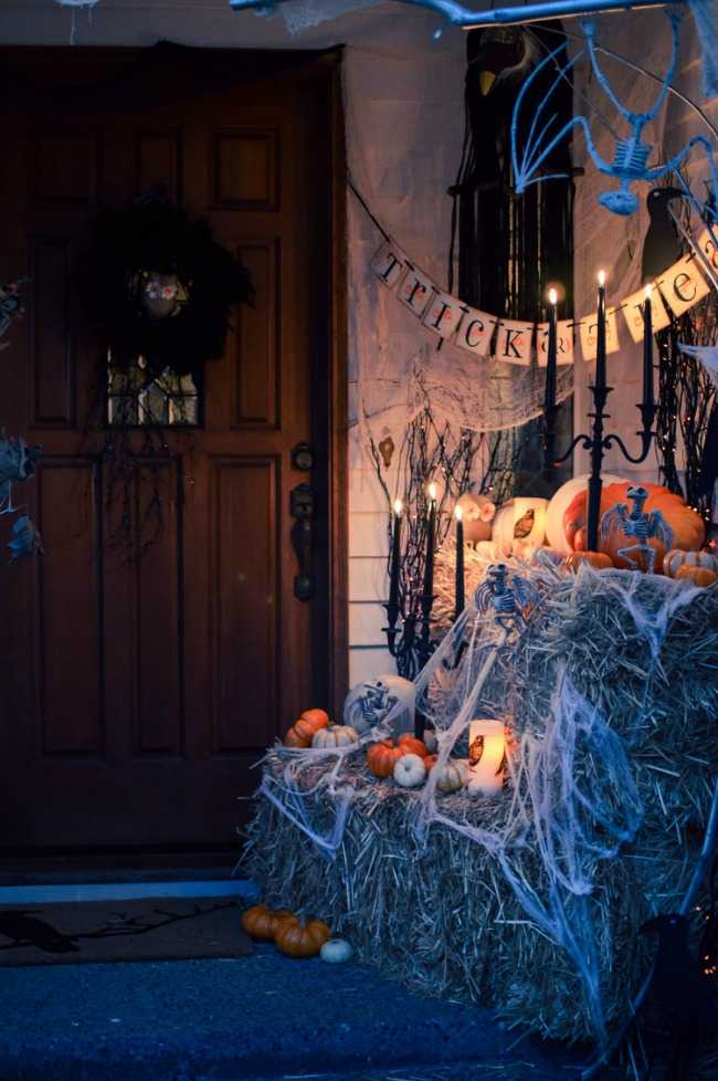 House of Five, 20 Fabulously Spooky Halloween Front Porches