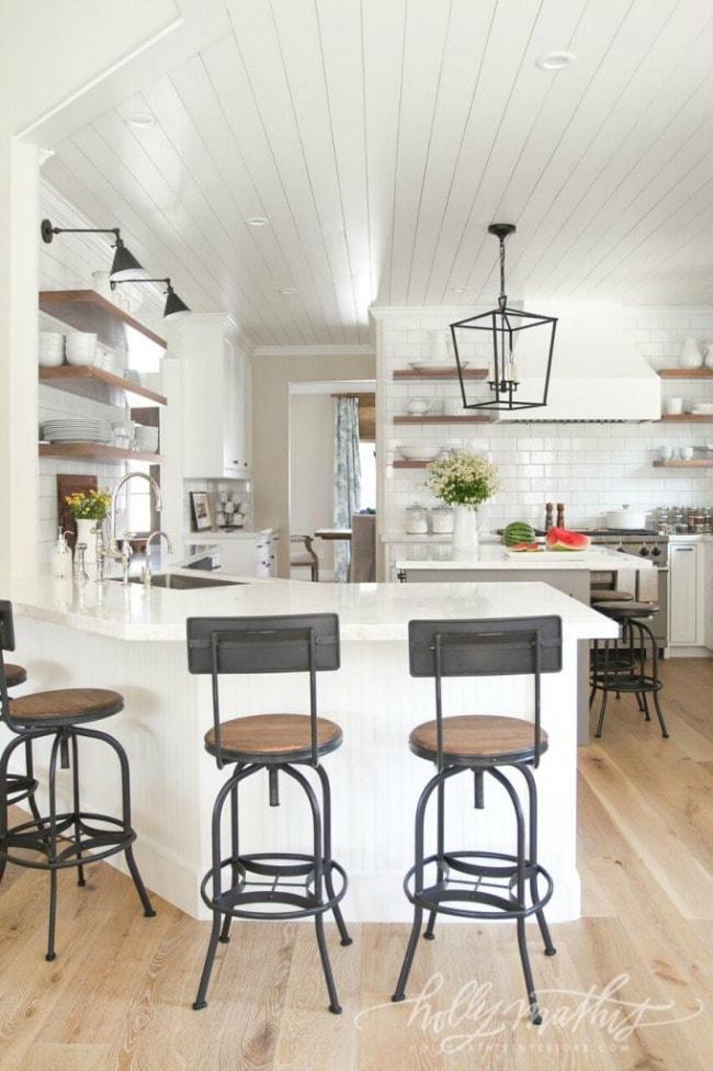 Modern Farmhouse Kitchens for Gorgeous Fixer Upper Style
