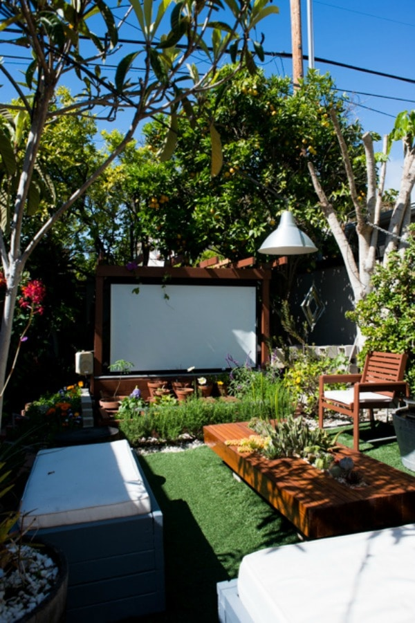 20 Gorgeous Backyards - Beautiful Backyard Inspiration on Stunning Backyards  id=75021