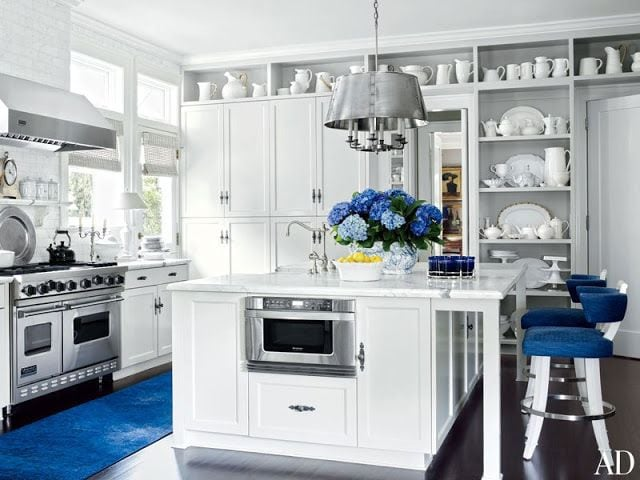 These are such beautiful blue and white kitchen ideas!