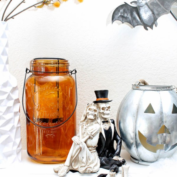 5 tried and true Halloween mantle ideas for a timeless spooky display! #halloween #halloweenideas #halloweendecor #ad #TuesdayMorning