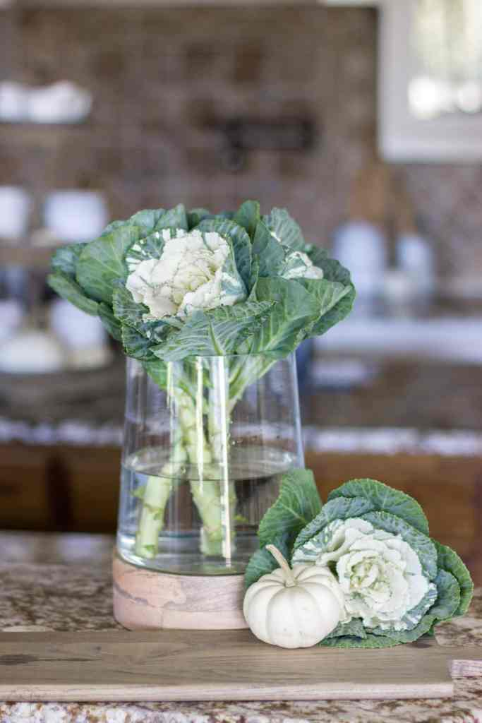 Be inspired by 5 simple fall arrangement ideas using one glass vase. Use any vase you have to create simple centerpieces around the home. #fall #glassvase #fallarrangementideas