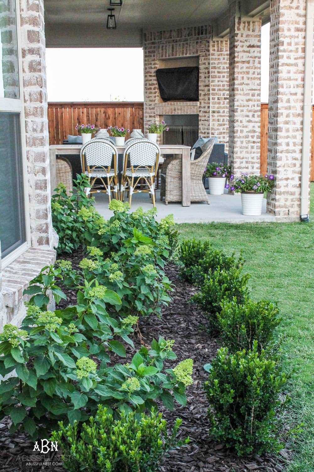 Small Backyard Makeover Before and After - Landscaping Ideas on Small Backyard Renovation Ideas id=40876