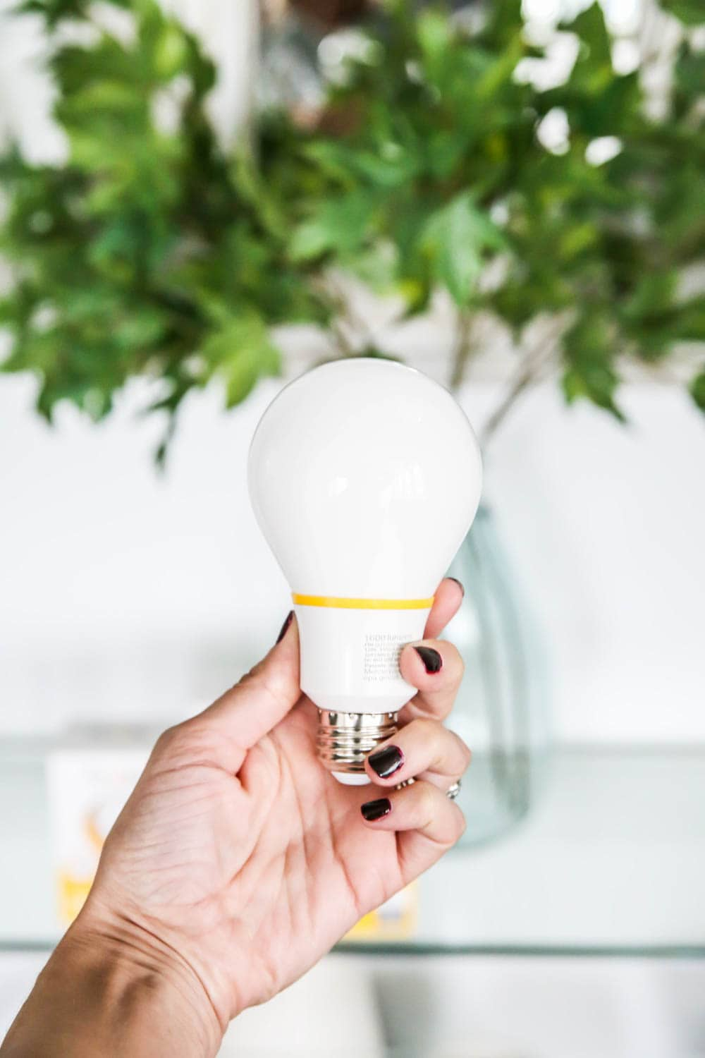Finally, a light bulb that makes my home feel warm and cozy and makes the colors in my home pop! #ad #finallylightbulbs