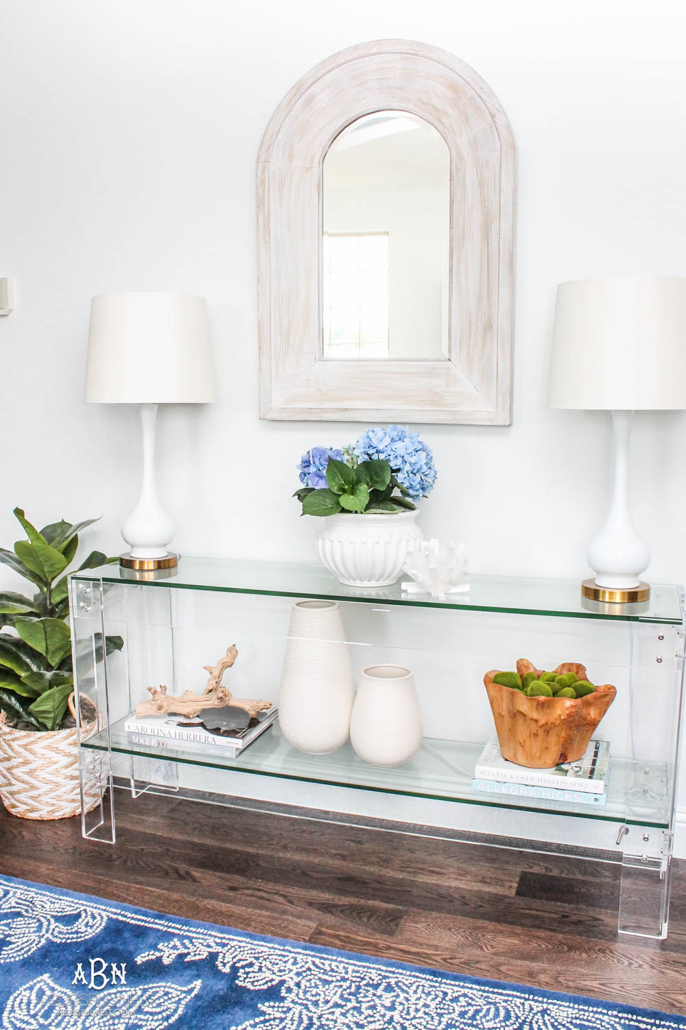Add potted plants to your home for a beautiful pop of color for spring decor. #ABlissfulNest #springideas #springdecor