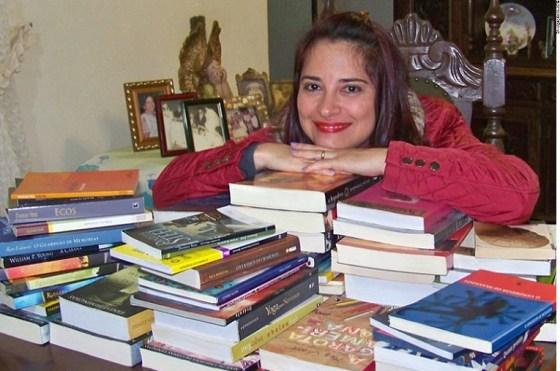 Escritora e Artista Plástica Andreia Donadon Leal