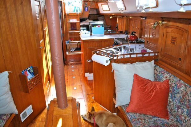 View aft of the starboard side from the salon