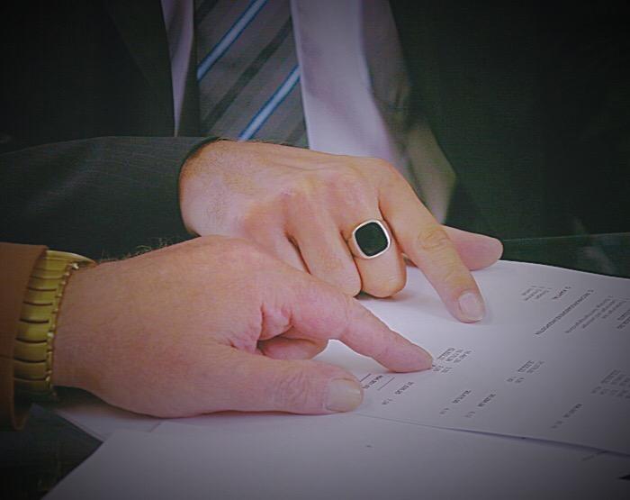 ¿Quién tiene que firmar la certificación de las Cuentas Anuales?