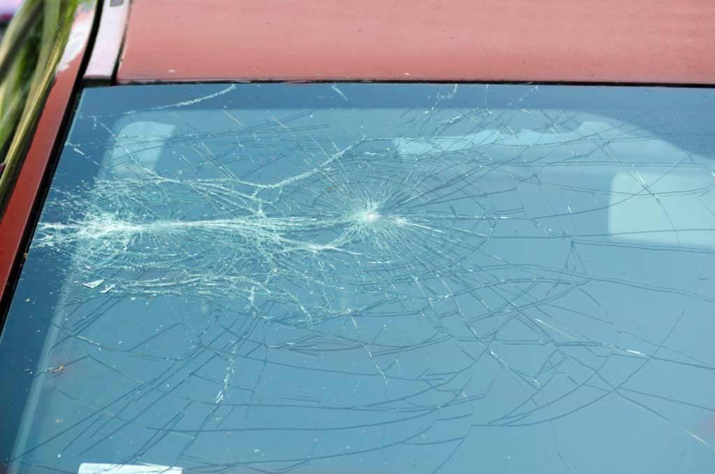 Mueren Jasmine Amesquita y Ragnar Segovia en choque entre dos autos en Deep Creek Road, en Apple Valley, CA
