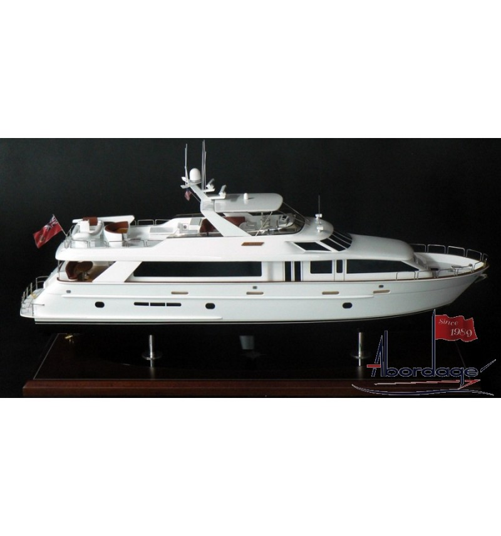 Hatteras 100 Motor Yacht Model